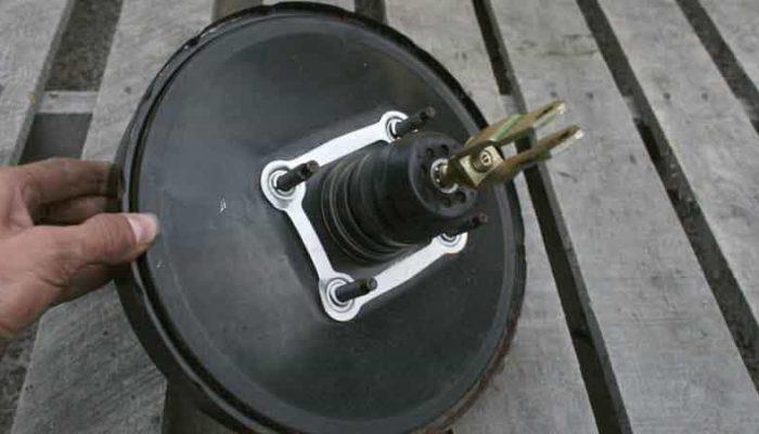 Torque Converter Replacement Cost >> 5 Symptoms of a Brake Fluid Leak and Average Repair Cost - Oards.com