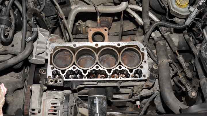 Signs Of A Blown Head Gasket >> 8 Symptoms Of A Blown Head Gasket Vs Cracked Engine Block