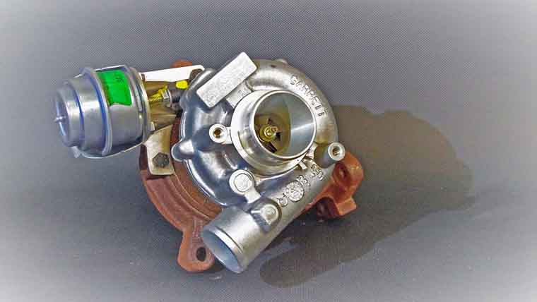 Supercharger Vs Turbocharger Pros And Cons >> 5 Symptoms of a Cracked Cylinder Head and Repair Cost - Oards.com