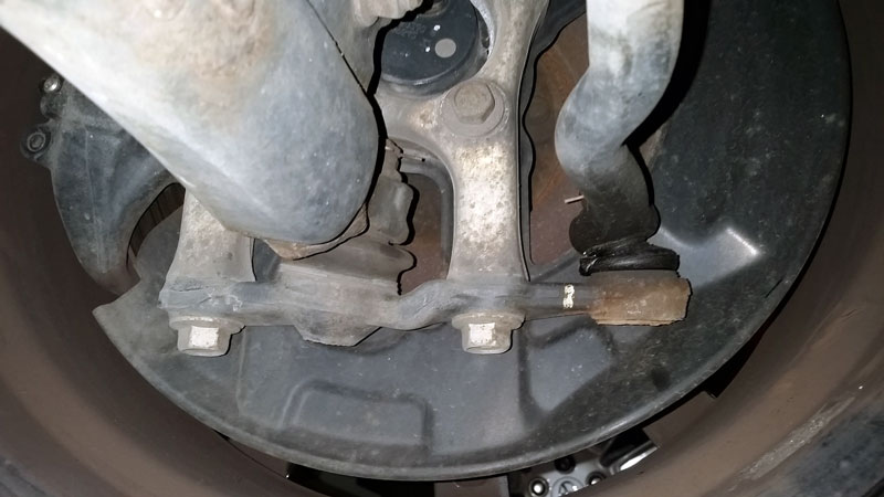 bad lower ball joint symptoms