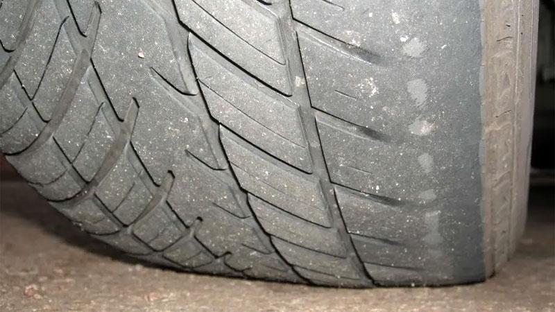 bad wheel alignment signs